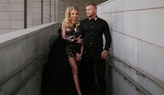 Dawid Narożny ożenił się. Nowe zdjęcia i nagranie z wesela oraz ślubu założyciela zespołu Piękni i Młodzi