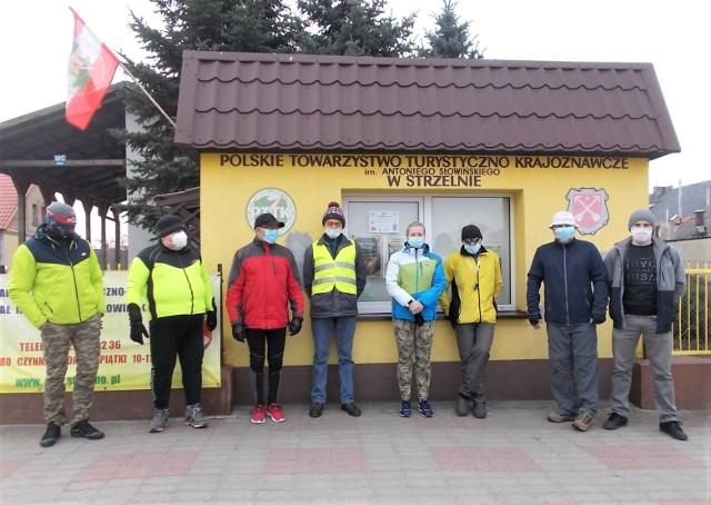 Turyści ze Strzelna wzieli udziała w rajdzie do Nadleśnictwa Miradz połączonym z ogólnopolska kampanią sadzenia drzew