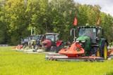 Pokazy koszenia i zbioru traw Ułężu. Zamiast tradycyjnego Zielonego AGRO SHOW była wielka prezentacja maszyn rolniczych