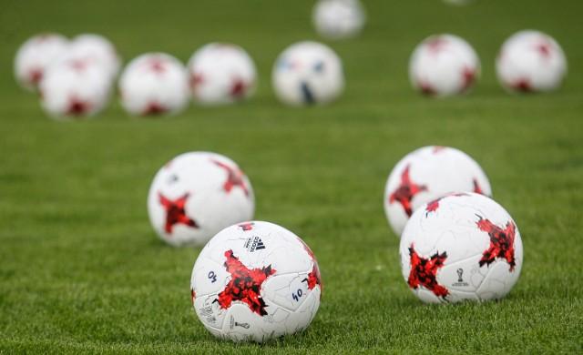 Mimo zimowej aury, piłkarze w naszym regionie bez kłopotów rozegrali kolejna serie meczów kontrolnych.