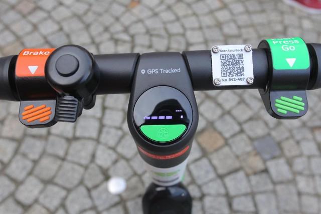 """Sejm przyjął nowelizację ustawy """"Prawo o ruchu drogowym"""", w której to ustanowiono status prawny hulajnóg elektrycznych. Co ulegnie zmianie? Oto zasady, które będą obowiązywały użytkowników e-hulajnóg!"""