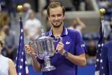 Novak Djoković rozbity przez Daniiła Miedwiediewa w finale US Open. Koniec marzeń Serba o klasycznym Wielkim Szlemie [WIDEO]