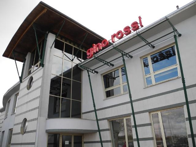 Biurowiec fabryki Gino Rossi w Słupsku.