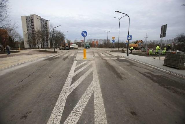Rondo na Ostrogórskiej w momencie oddania go do użytku 30 grudnia 2019 roku. Zobacz kolejne zdjęcia. Przesuń zdjęcia w prawo - wciśnij strzałkę lub przycisk NASTĘPNE