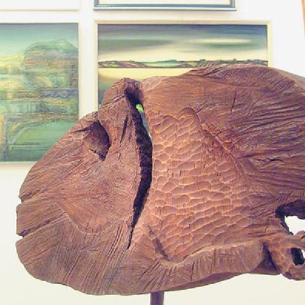 Wystawa artystów ze ZPAP to obrazy, rzeźby i rysunki.