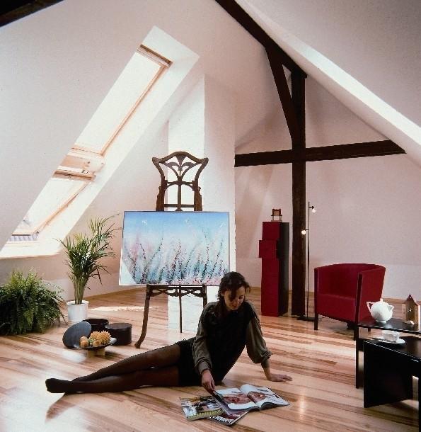 Podłoga drewnianaKlej do podłogi drewnianej, choć go nie widać, ma duży wpływ na wygląd oraz trwałość posadzki.