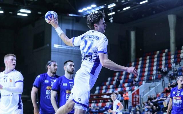 Sigvaldi Gudjonsson podczas meczu z Izraelem.