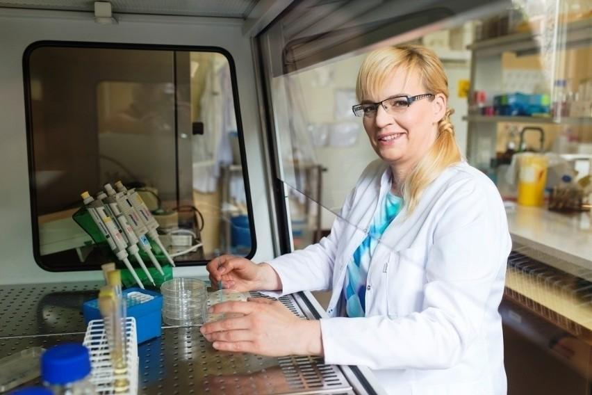 Dr Katarzyna Kasperkiewicz