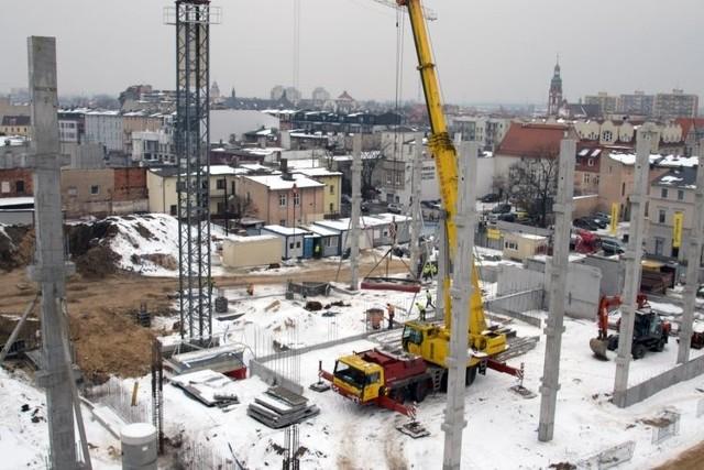 Parking jest budowany w sąsiedztwie Urzędu Miasta przy ul. Grudziądzkiej.