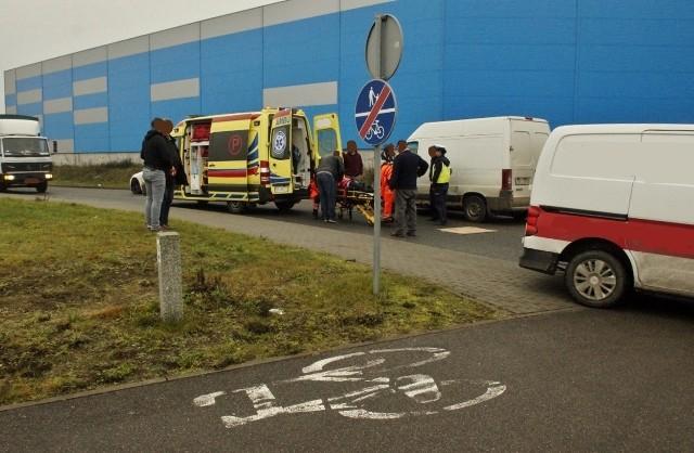 W poniedziałek około godziny 10 doszło do kolizji w Głobinie. 28-letnia mieszkanka powiatu słupskiego wtargnęła na drogę zza przeszkody, wprost pod koła jadącego samochodu. Na szczęście obyło się bez poważnych obrażeń. Jak informuje słupska policja, kierowca ze słupska jak i sprawczyni kolizji byli trzeźwi. 28-lata została ukarana mandatem.