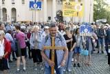 """Lublin: """"W drodze łatwiej jest odnaleźć siebie"""". Pielgrzymi wyruszyli przed oblicze Czarnej Madonny"""