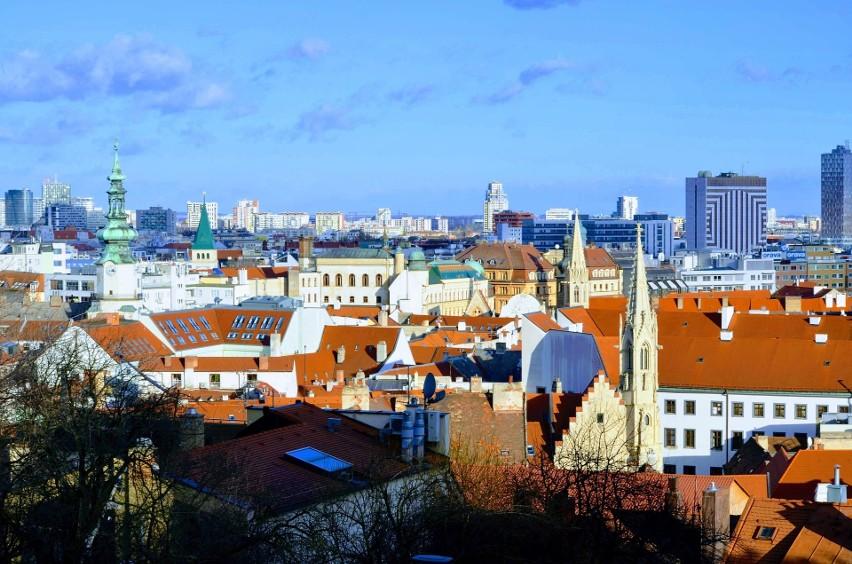 Mieszkańcowi Słowacji zajęłoby to 9,9 roku