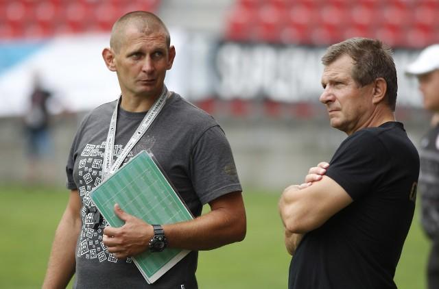 Męska rozmowa trenera Przemysława Szyburskiego z dyrektorem sportowym Mirosławem Żórawskim