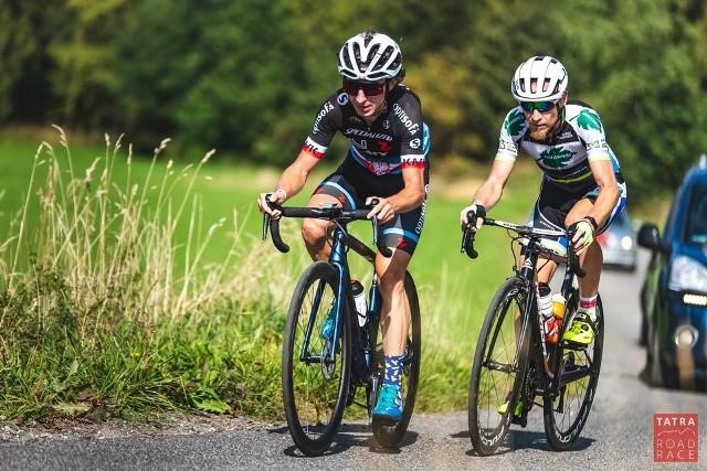 Damian Bartoszek (z prawej) w niezwykle prestiżowym wyścigu Tatra Road Race zajął drugie miejsce