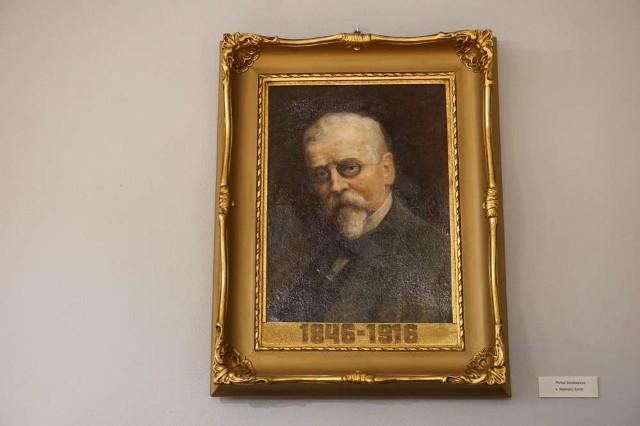 Henryk Sienkiewicz na jednym z portretów
