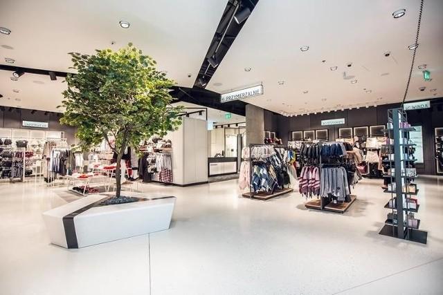 Stacjonarne salony Reserved przechodzą metamorfozę w ramach koncepcji open space
