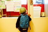 300 plus wyprawka dla dziecka. Kto otrzyma zapowiedziany przez premiera dodatek 300 zł dla dziecka w wieku szkolnym? [ZASADY, 1.08.2018]