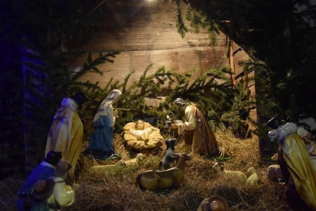 Tak na święta Bożego Narodzenia udekorowano parafie na Pomorzu. Kliknij w galerię i zobacz >>> Na zdjęciu kościół św. Urszuli Ledóchowskiej w Malborku
