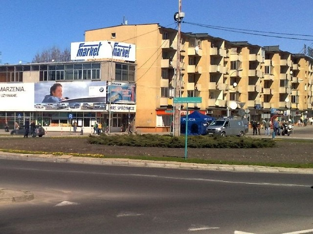 na ulicy Pałacowej