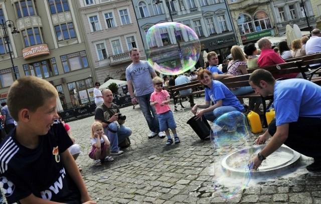 Bańki mydlane były jedną z atrakcji ostatniego dnia Bydgoskiego Festiwalu Nauki.