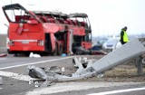Wypadek ukraińskiego autokaru na autostradzie A4 koło Przemyśla. Zginęło 5 osób, a 39 zostało rannych [ZDJĘCIA]