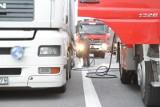 Obwodnica Świecia: tir stanął w poprzek budowanej drogi S5. Uwaga kierowcy, jeszcze mogą tworzyć się korki!