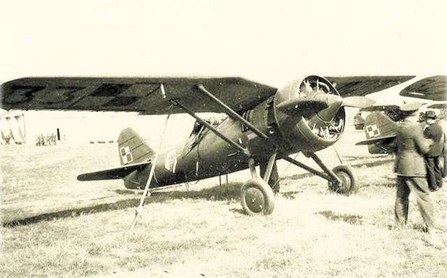 1933 r.  Metalowy myśliwiec polskiej konstrukcji PZL P -7 z 4. Pułku Lotniczego (w Rumunii)