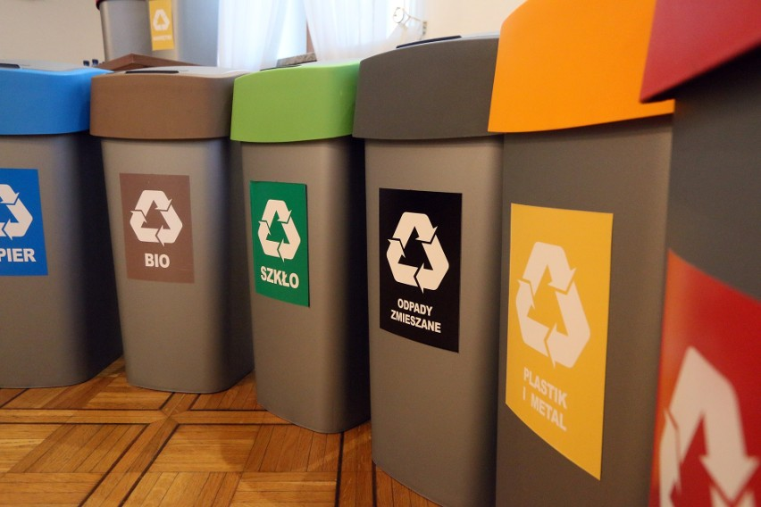 Niektórzy ignorują system segregacji śmieci...