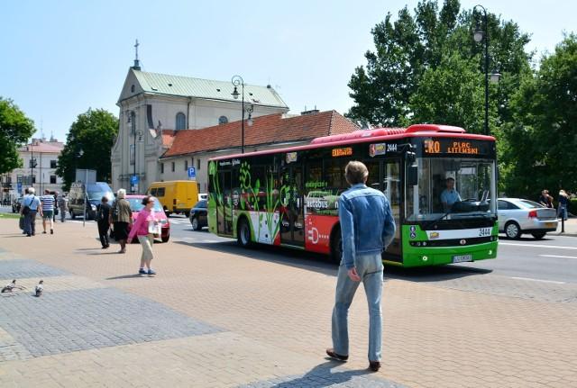 """Nowa linia """"Eko"""" obsługiwana przez autobus  elektryczny marki Ursus zadebiutowała w poniedziałek, 8 czerwca."""