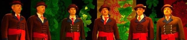 Męska grupa śpiewacza z Czarni