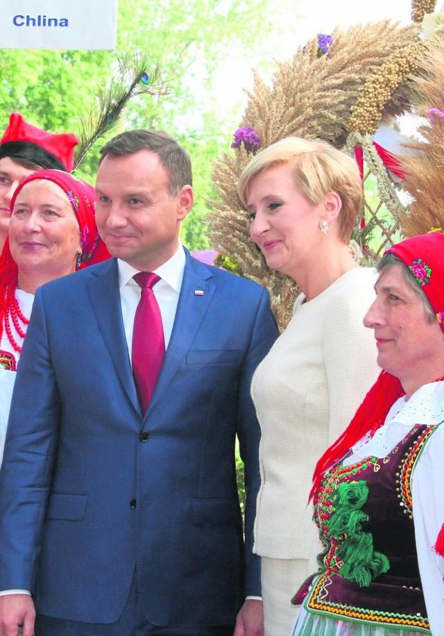 Prezydent Andrzej Duda wraz z żoną Agatą gościli na dożynkach w Spale pierwszy raz niemal dokładnie rok temu