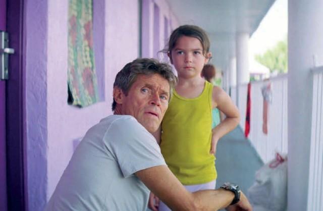 """Amerykański dramat """"The Florida Project"""" opowiada o losach małej Moonee oraz innych mieszkańcach motelu Magic Castle"""