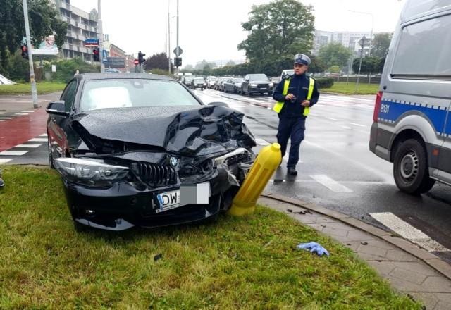 Wypadek z udziałem karetki na ul. Borowskiej we Wrocławiu