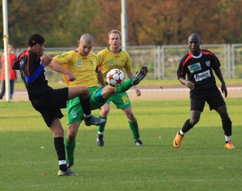 Marcin Miśta (drugi z lewej) będzie grał teraz w Niemczech.