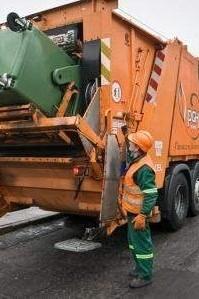 PGK Słupsk zajmuje się m.in. oczyszczaniem miasta.