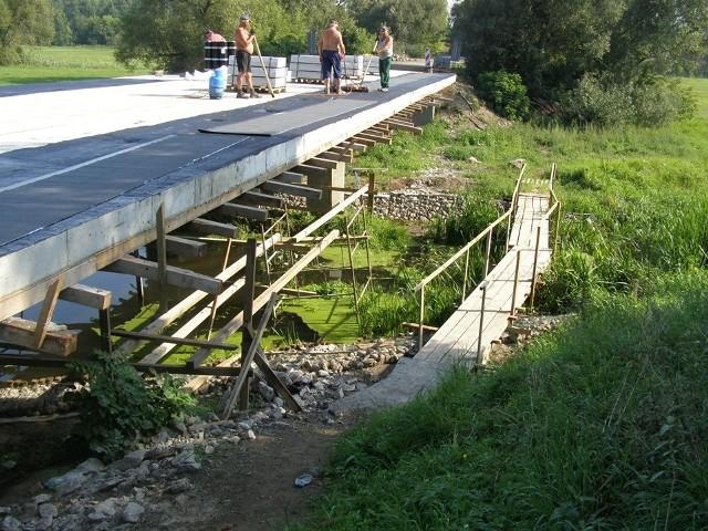Trwa przebudowa mostu w Młodzianowie