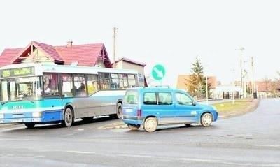 Przebudowa skrzyżowania zwiększyłaby bezpieczeństwo. Na razie nie ma jednak na to pieniędzy. FOT. EWA TYRPA
