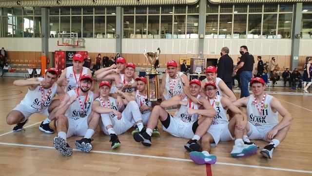 Koszykarze Śląska Wrocław z młodzieżowym Pucharem Polski