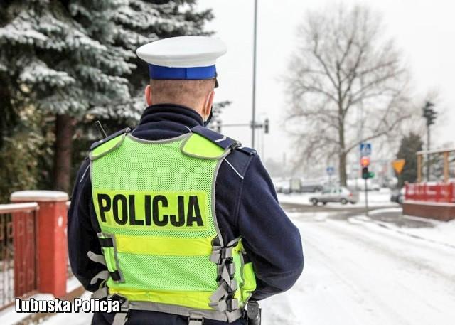 Policja przypomina, żeby kierowcy zwrócili uwagę na stan techniczny swoich pojazdów.