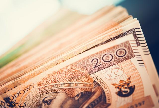 """Policja zatrzymała oszustów wyłudzających pieniądze metodą """"na funkcjonariusza CBŚP""""."""