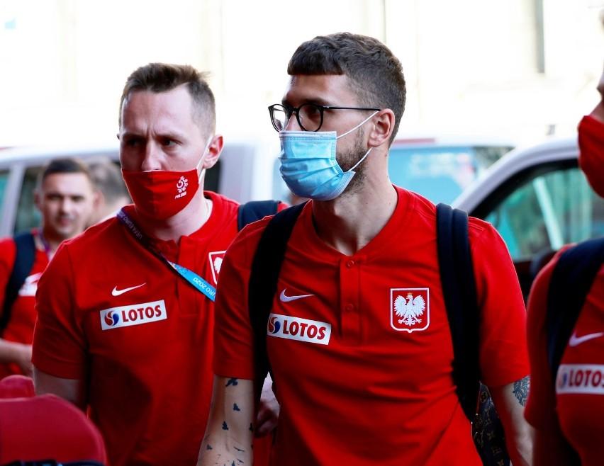 Biało-Czerwoni przylecieli dziś do St. Petersburga i...