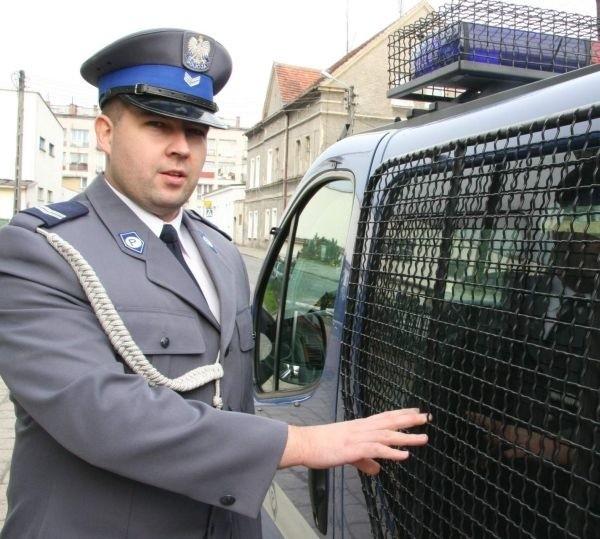 - Wszyscy zatrzymani mieli od 1 do 1,4 promila alkoholu we krwi - mówi Andrzej Ostrycharczyk.