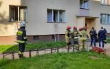 Grajewo: Pożar w mieszkaniu w bloku na Osiedlu Broniewskiego. Nie żyje 65-letnia kobieta