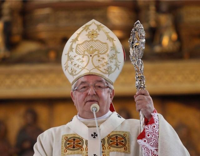 Abp Sławoj Leszek Głódź sam otworzył kapłanom drogę do nuncjusza