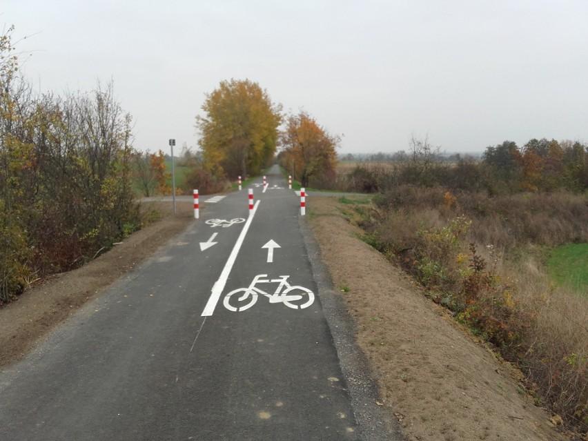 Zbudowana dwa lata temu ścieżka rowerowa Gryfino...