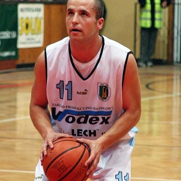 Paweł PydychWIEK: 24 lata. W 2006 ROKU: czołowy koszykarz pierwszoligowej Stali Stalowa Wola.