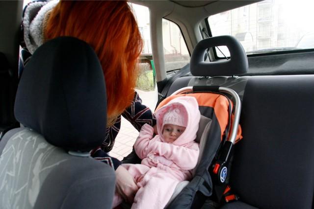 Od 18 maja obowiązują nowe zasady przewożenia dziecka w foteliku