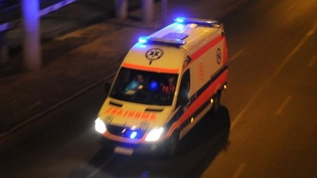Dwuletnie dziecko z rozciętym czołem trafiło do szpitala.