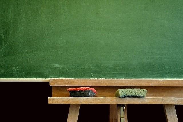 W szkołach jest coraz mniej dzieci