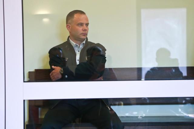 Sprawa miłoszycka. Przed Sądem Apelacyjnym we Wrocławiu stanęli mężczyźni skazani w pierwszej instancji za morderstwo w sylwestrową noc w dyskotece w Miłoszycach pod Wrocławiem, za które niesłusznie  skazano Tomasza Komendę. Na zdjęciu jeden ze skazanych - Norbert Basiura, który wyraził zgodę na publikacje wizerunku.